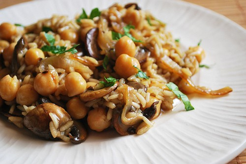 Risotto with Caramelized Onions, Mushrooms, and Chickpeas ...