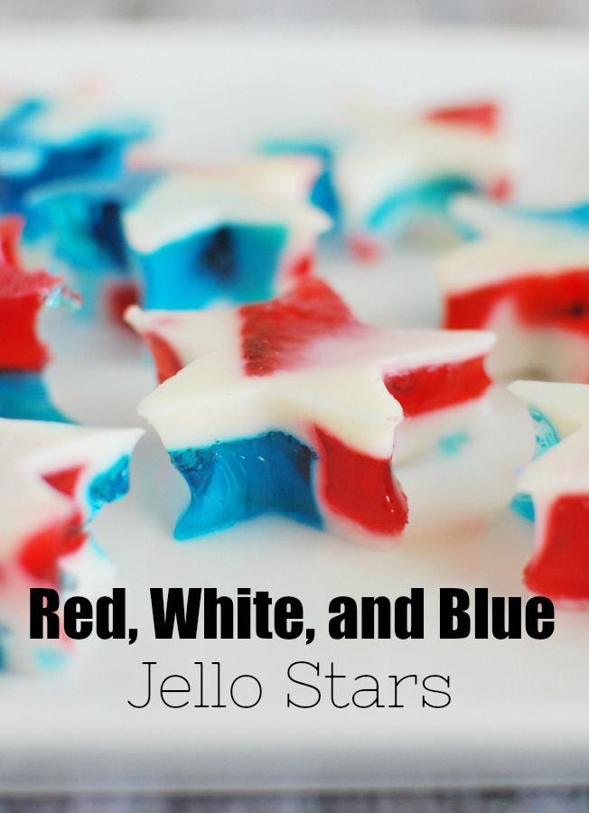 Red, White, and Blue Jello Stars - the cutest treat for the 4th of July or Memorial Day! Only 4 ingredients and so easy!