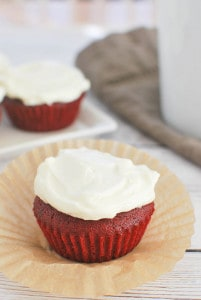 Red Velvet Cupcakes (+ a giveaway!)